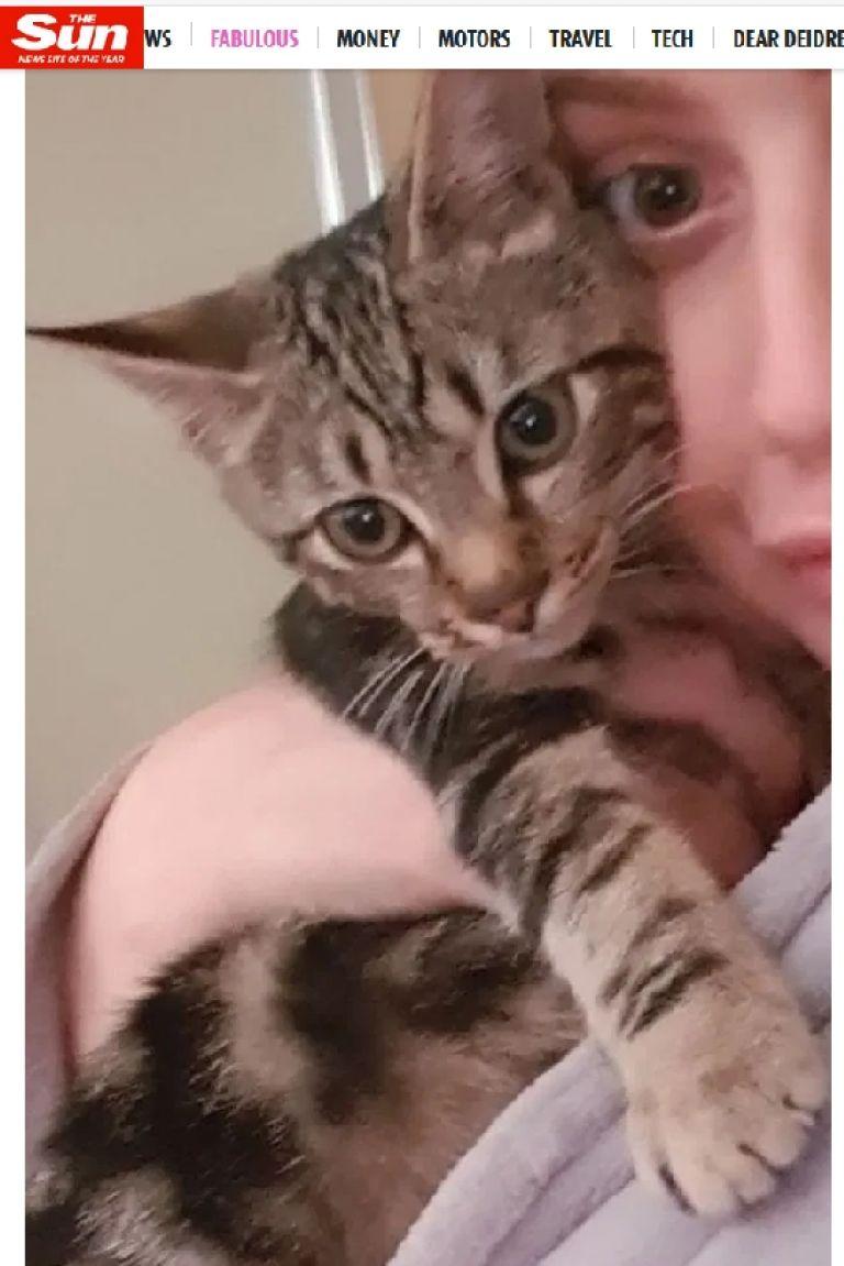 Серена Дероса с котката ѝ Ейнджъл