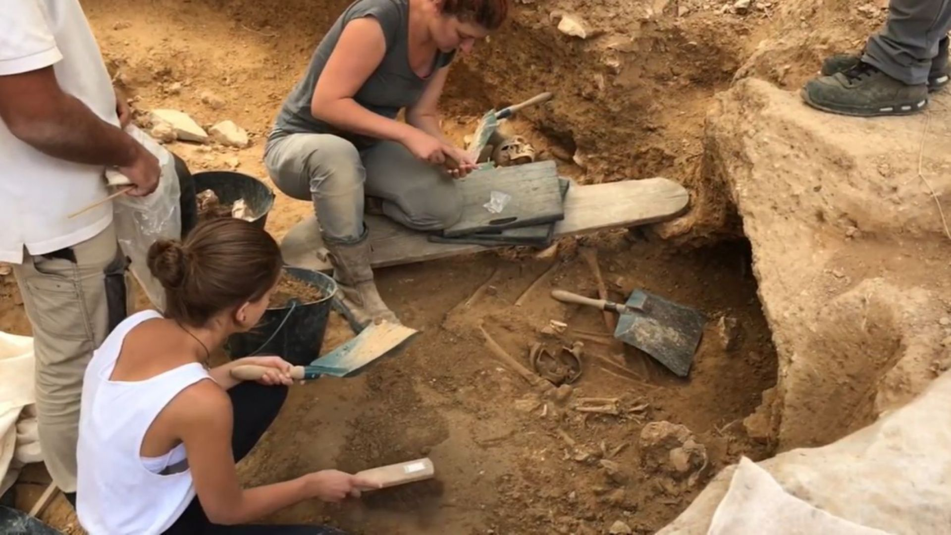 Десетки древноримски гробове на бебета бяха открити  в  Южна Франция