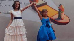 Две малки български актриси очароваха публиката във Венеция