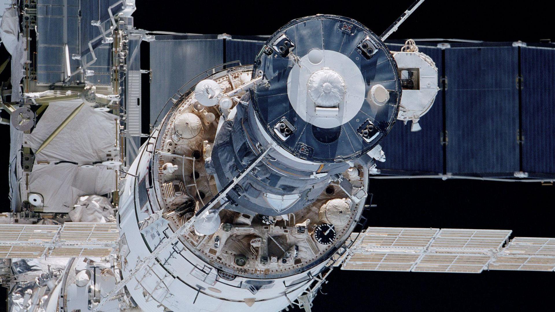 Сигнал за авария се включи на Международната космическа станция