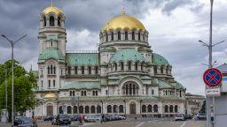 """Разкриват 50 места в синя зона при храм """"Ал. Невски"""", закриват депутатския паркинг"""