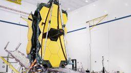 Последен тест за огледалото на новия космически телескоп на НАСА