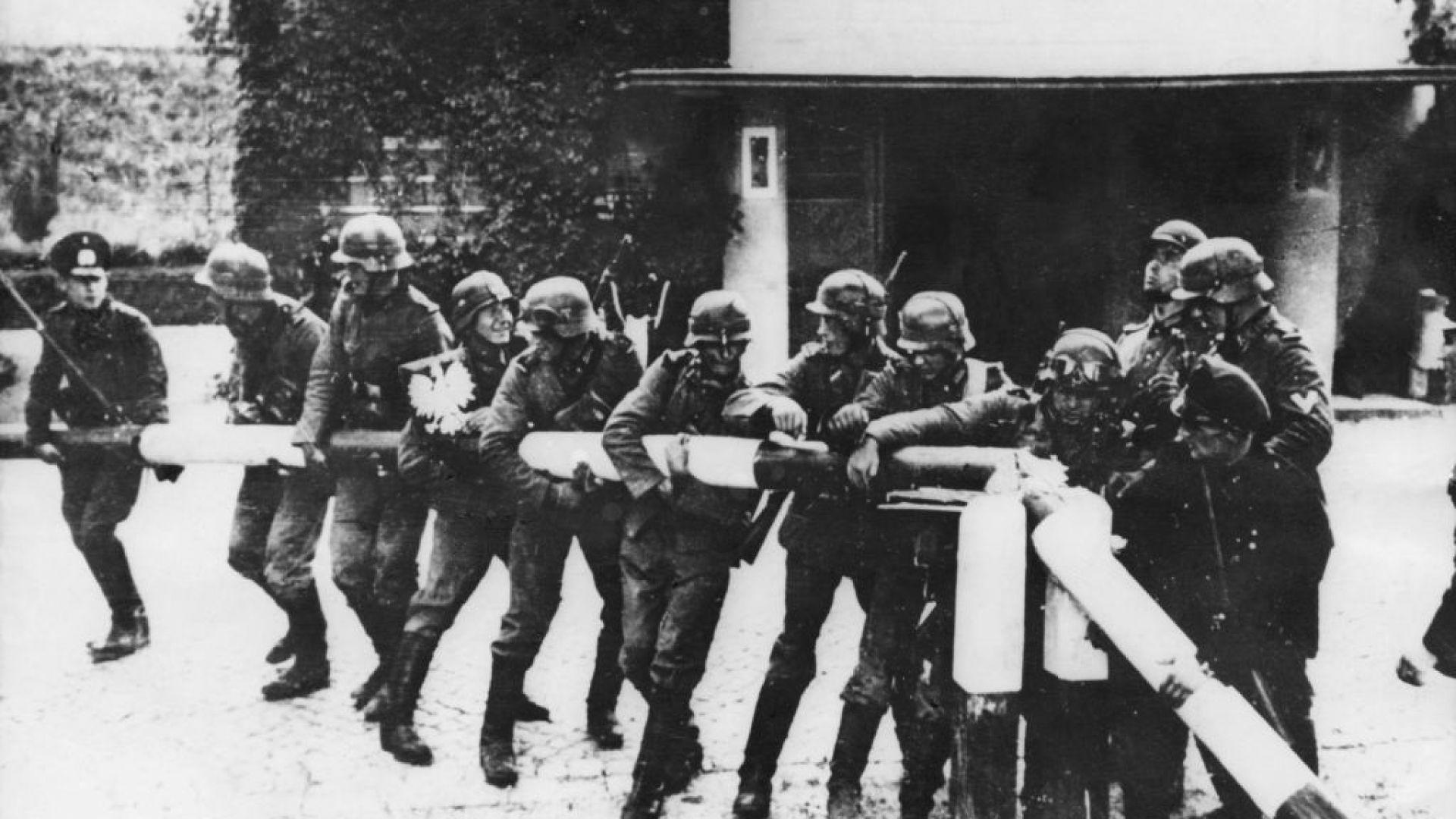 1.09.1939 г., 04.45 ч.:  Немски войници нахлуват в Полша. Започва Втората световна война (снимки)