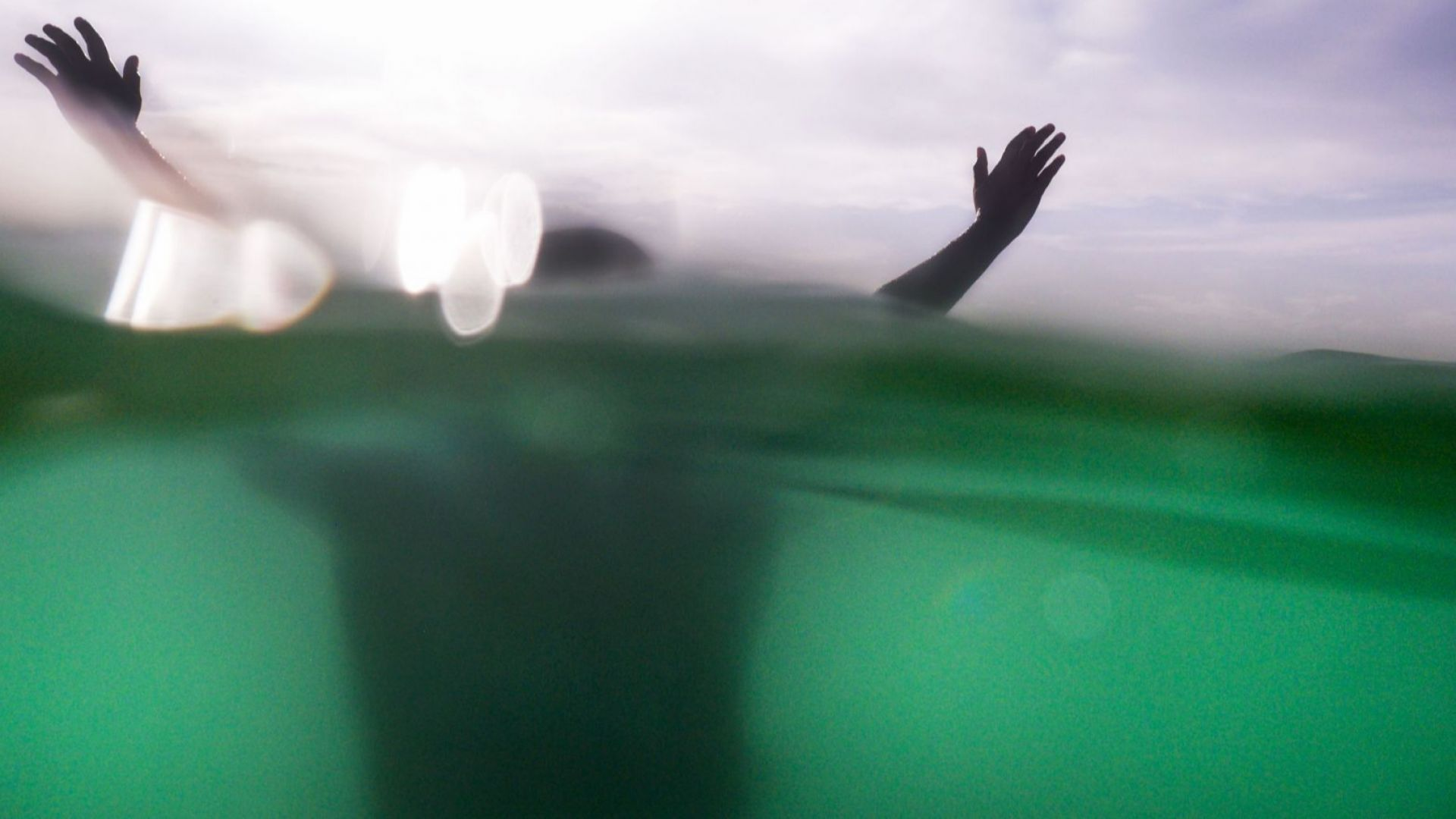 Баща и син са удавените в Синеморец, другите двама - спасени