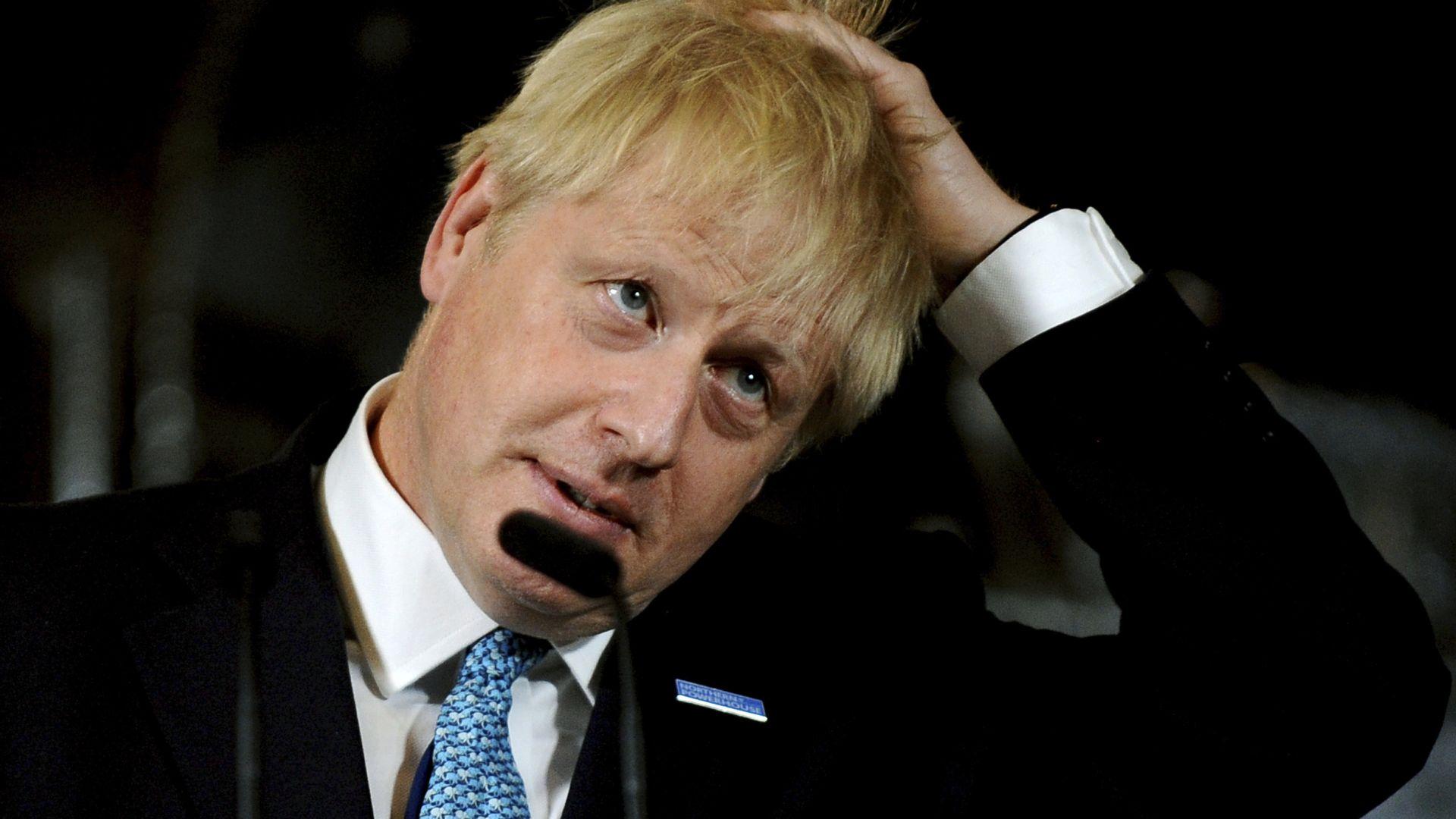 Британският премиер Борис Джонсън предупреди депутатите да не предприемат действия