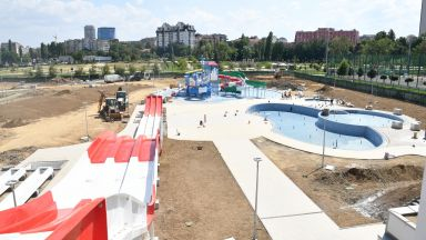 Зрелищният аквапарк в София готов през ноември (снимки)