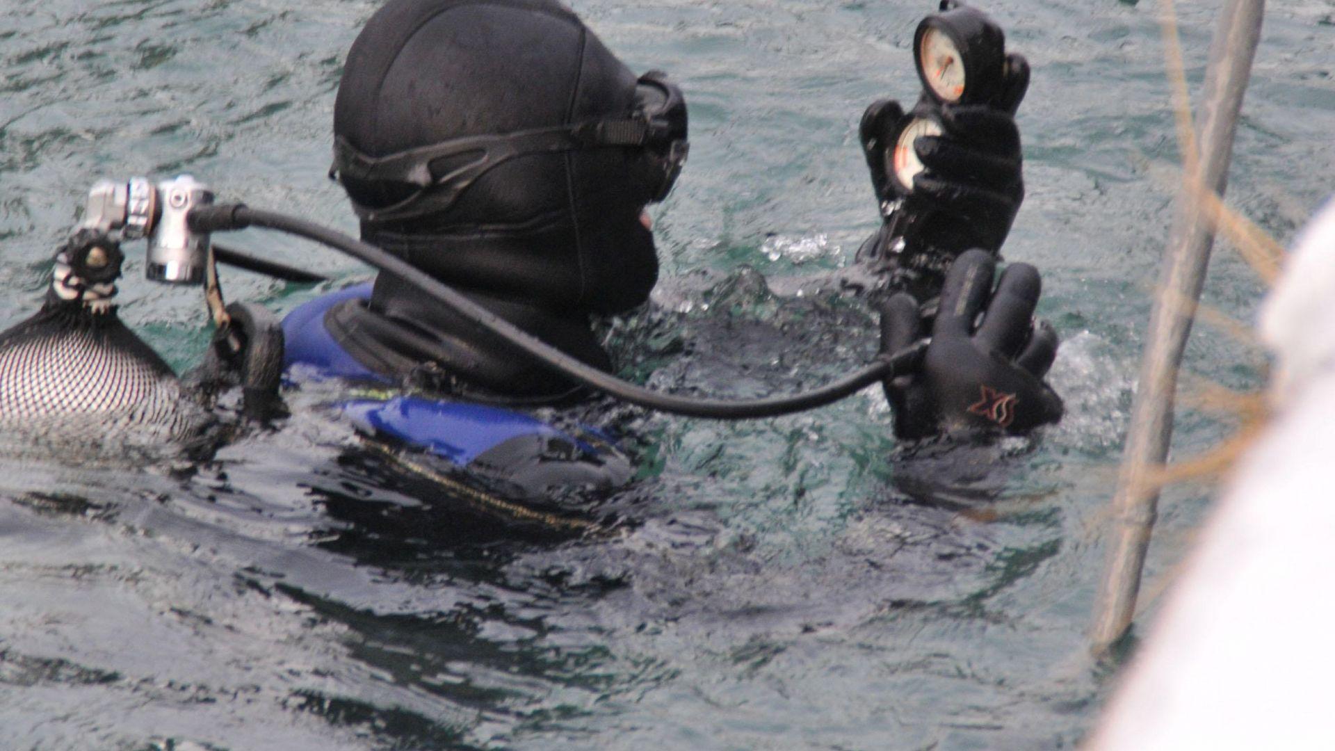Водолаз търси улики срещу Пламен Шляпашки и Георги Нанчев на дъното на язовира край Негован