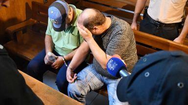Изправиха пред съда убийците на треньора по борба и жена му (снимки)