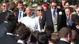 Певицата Ели Голдинг се омъжи с изработвана 640 часа рокля на Наташа Рамзи-Леви