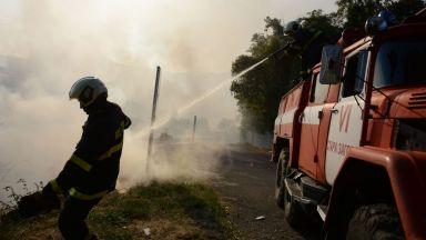 Евакуираха 40 деца заради голям пожар в Стара Загора