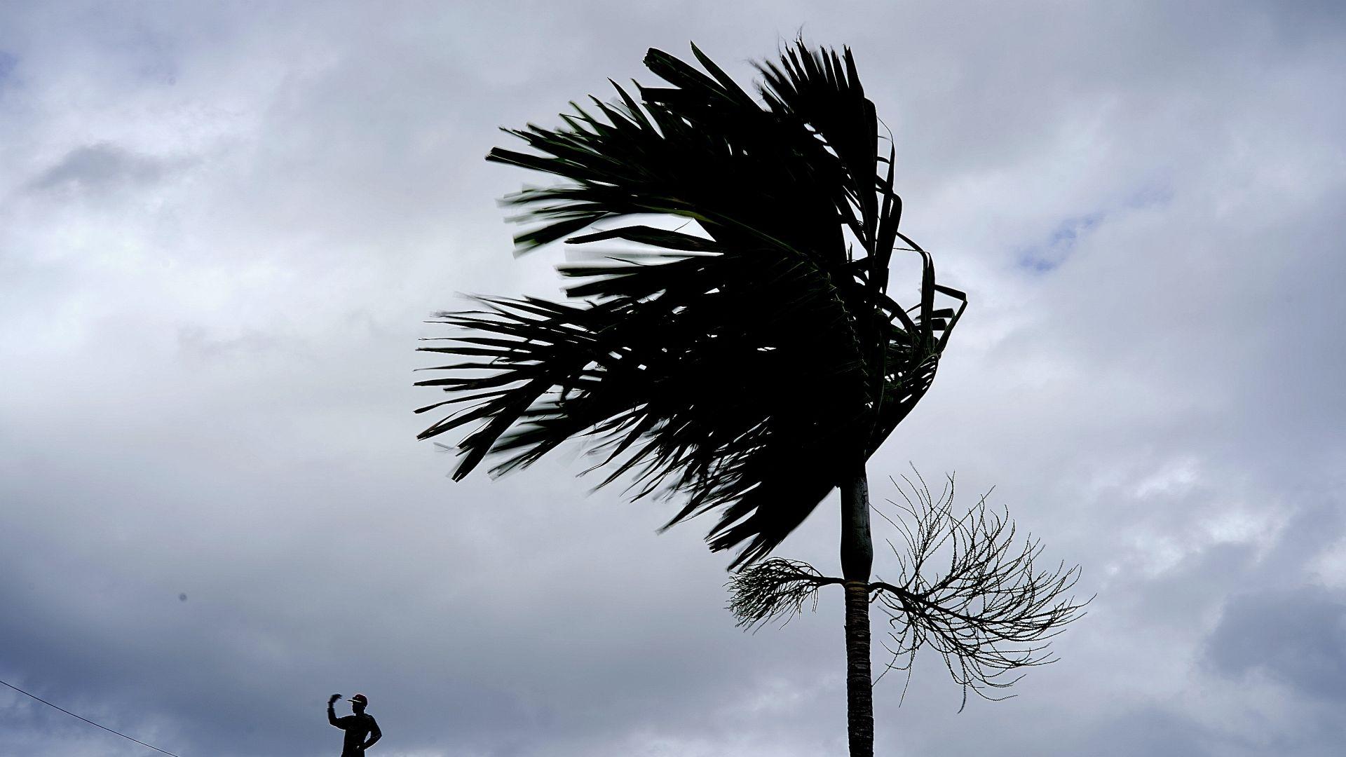 Бахамите се готвят за урагана Дориан, под заплаха са 73 000 души
