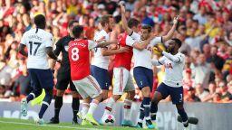 Арсенал и Тотнъм се хванаха за гушите в резултатно дерби на Северен Лондон