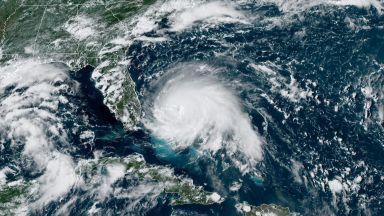 """Ураганът Дориан идва и в Европа, след като """"овършее"""" източния бряг на САЩ"""