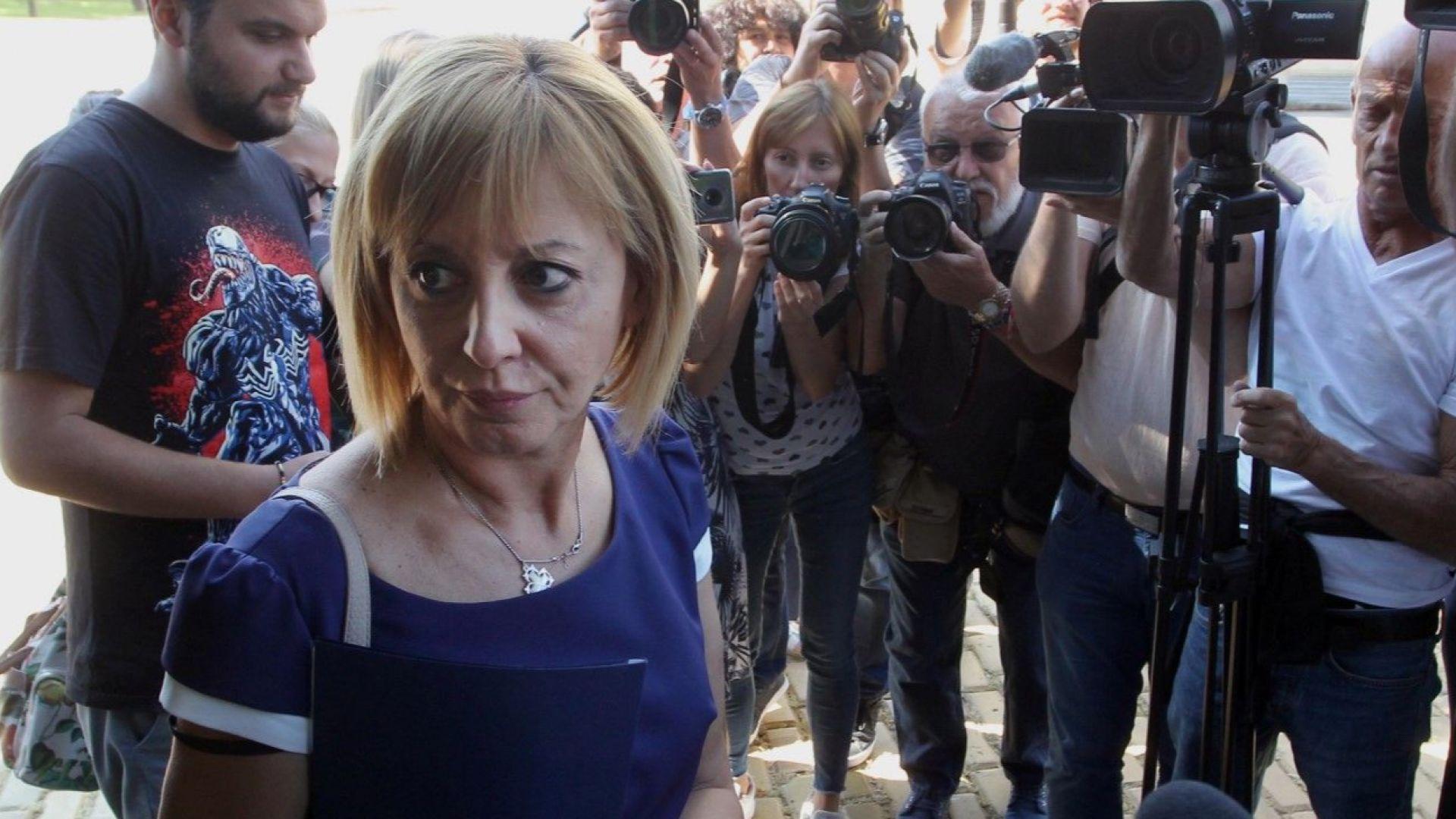 Мая Манолова претърпяла катастрофа