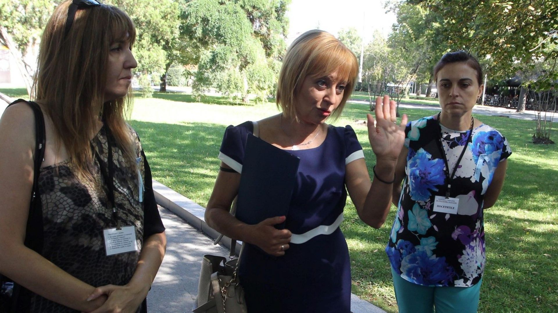 Манолова взима неплатен отпуск. Премислен политически ход ли е кандидатирането й за кмет