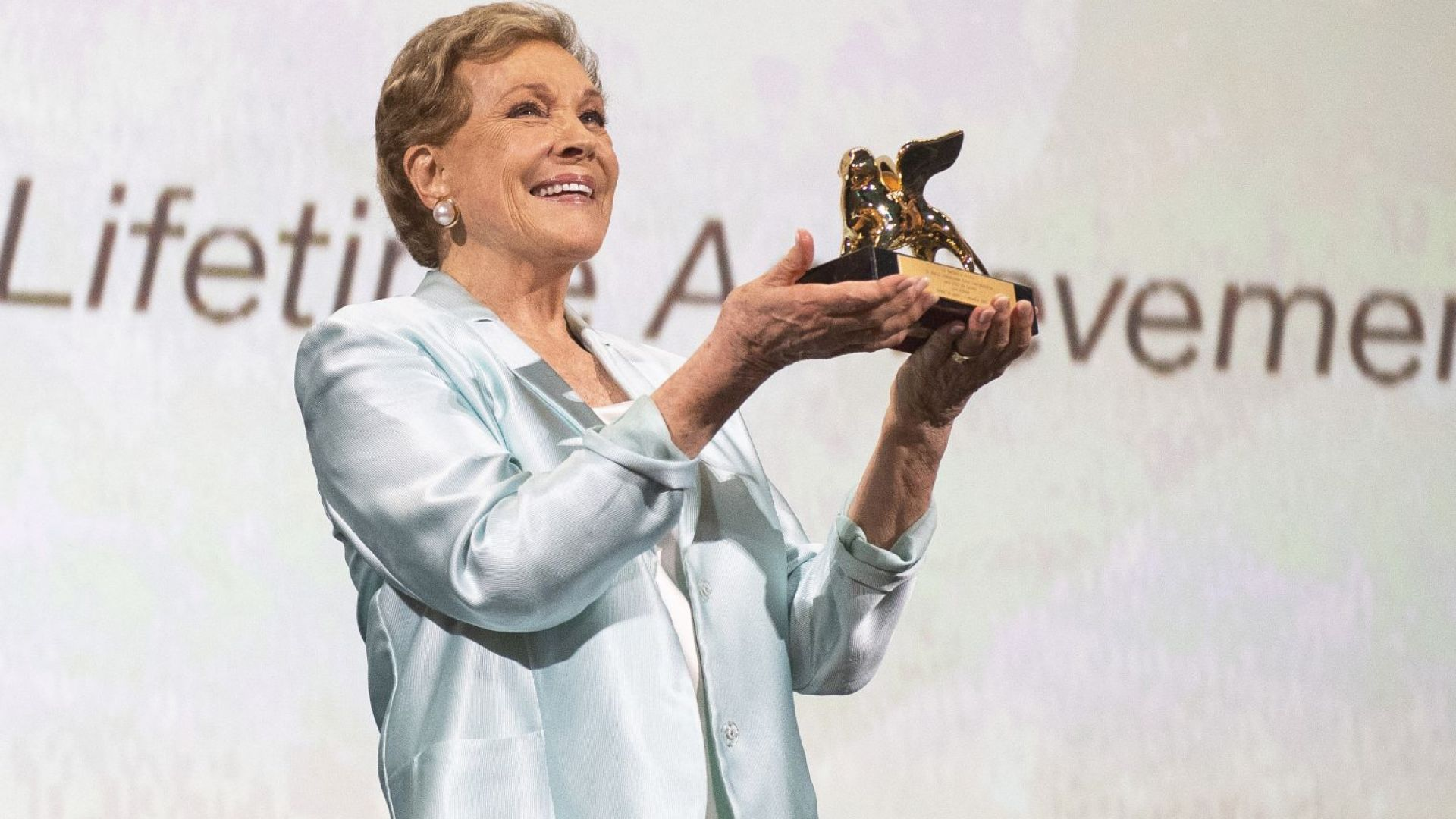 """Джули Андрюс получи """"Златен лъв"""" за цялостен принос на фестивала във Венеция"""