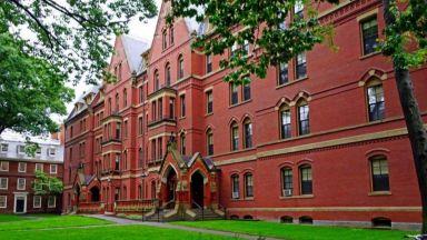 """Защо казват, че в """"Харвард"""" истината съжителства с... три лъжи"""