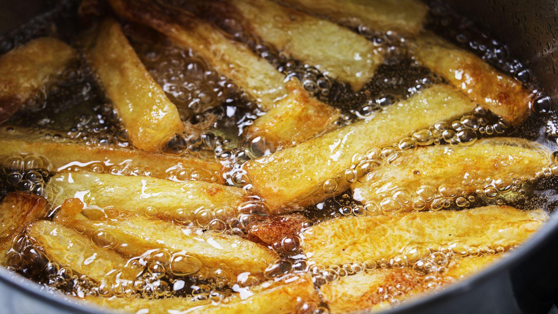 Английски тийнейджър ослепя и оглуша, ядял само чипс, пържени картофи, хляб и месо