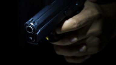 Шеф на ловна дружина застреля съседа си след забележка за силна музика