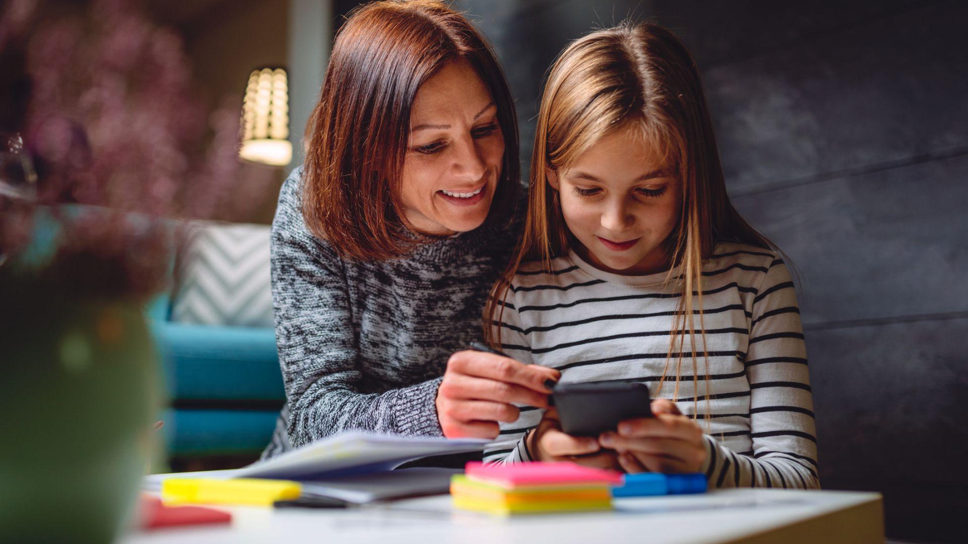Може би е по-добре детето ви да е с обикновен телефон, а не със смартфон