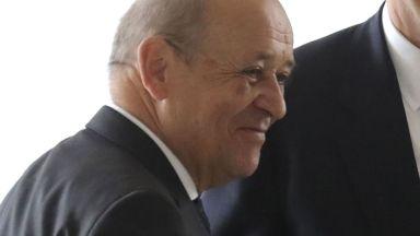 Осъдиха двама измамници, представяли се за френския външен министър