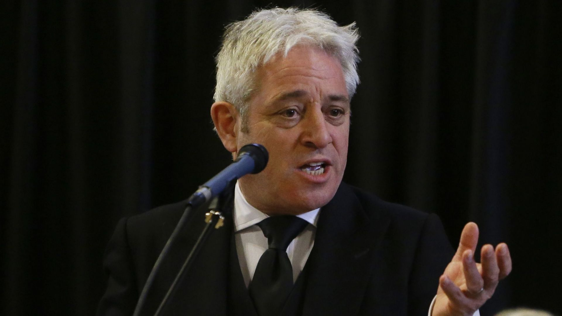 Председателят на британската Камара на общините Джон Бъркоу одобри спешен