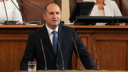 Президентът: Или апатията ще продължи да опразва България, или улицата ще помете статуквото
