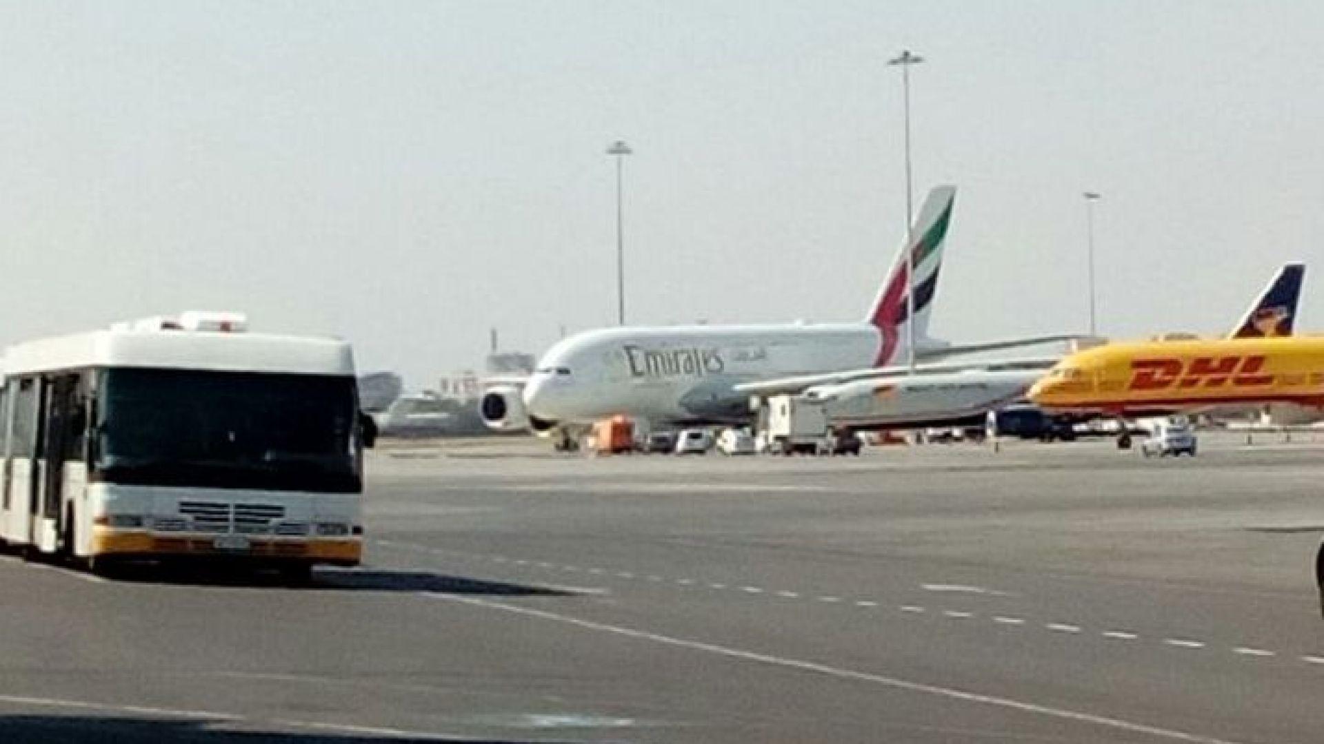 Самолет кацна аварийно на летище София заради болен пасажер, обслужен е