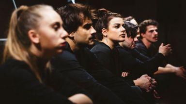 """""""АПАРТ"""" гостува на """"Сцена на кръстопът"""" в Пловдив"""