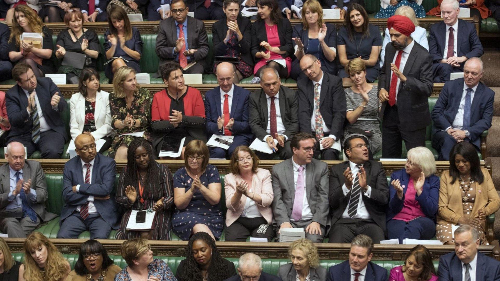 Депутатите задължиха Борис Джонсън да поиска отлагане на Брекзит с 3 месеца