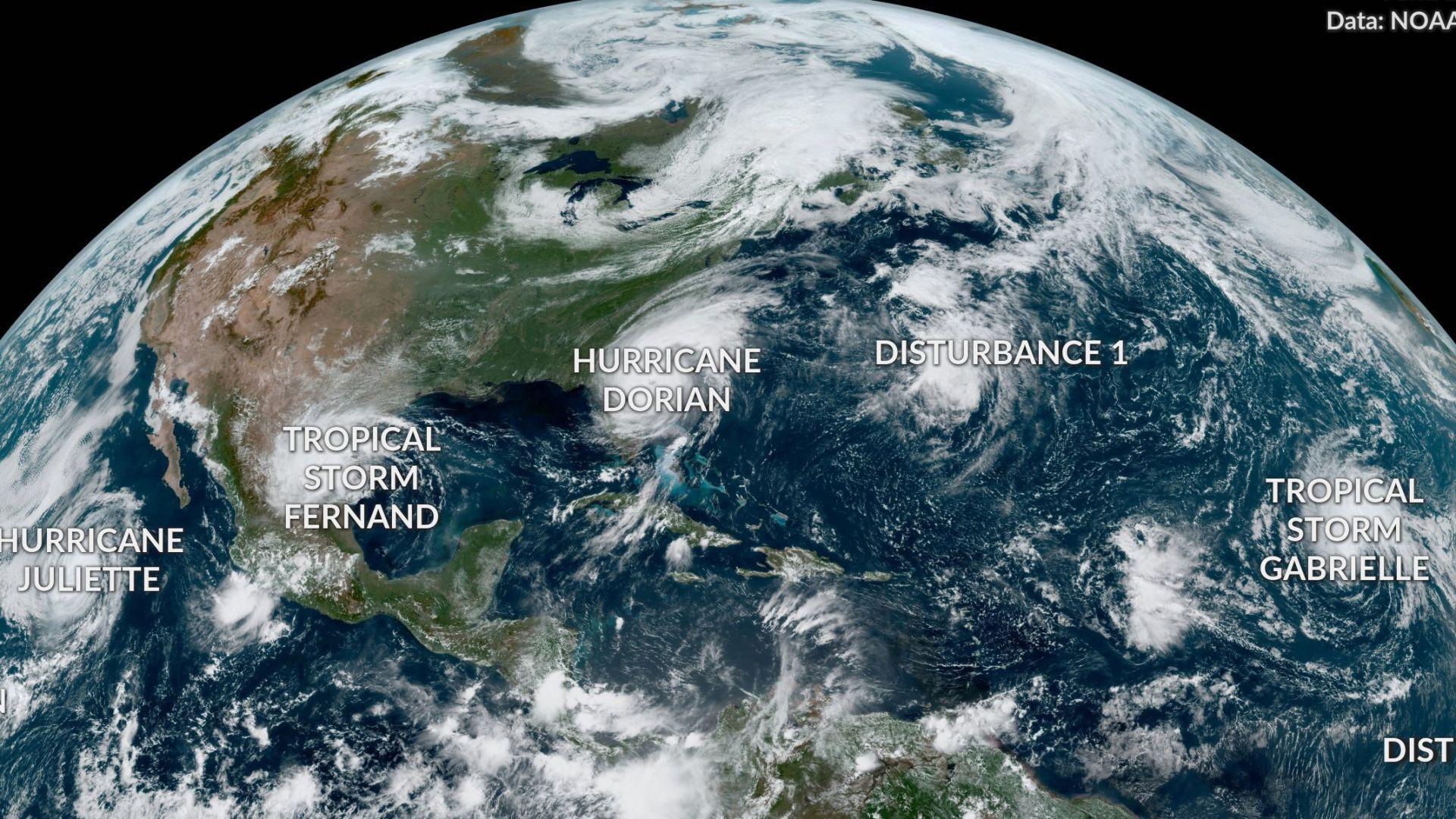 Седем урагана вилнеят едновременно в тропиците днес