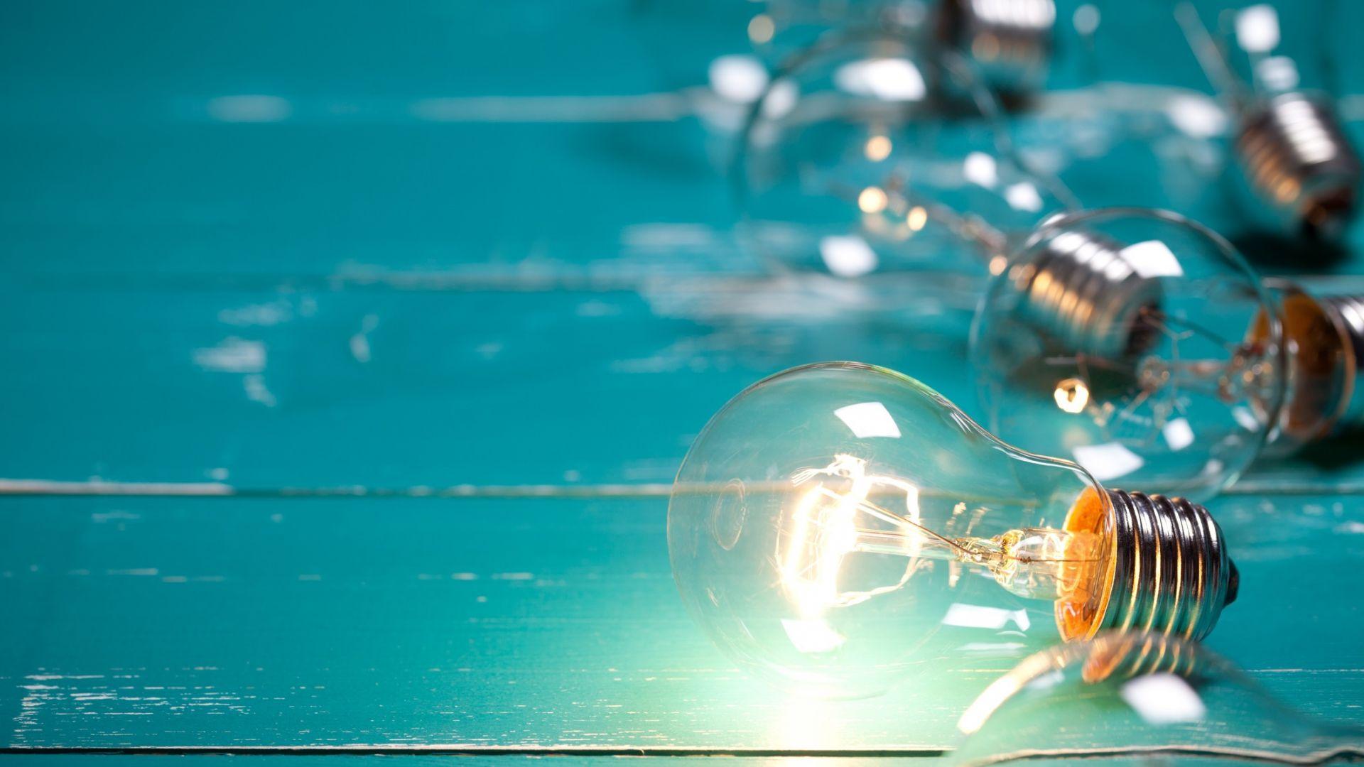 Тръмп защити крушките с нажежаема жичка срещу осветлението със светодиоди