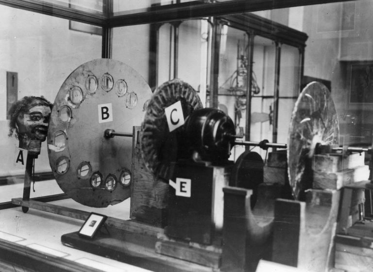 Механичният цветен телевизор на Джон Лоджи Беърд от 1928 година