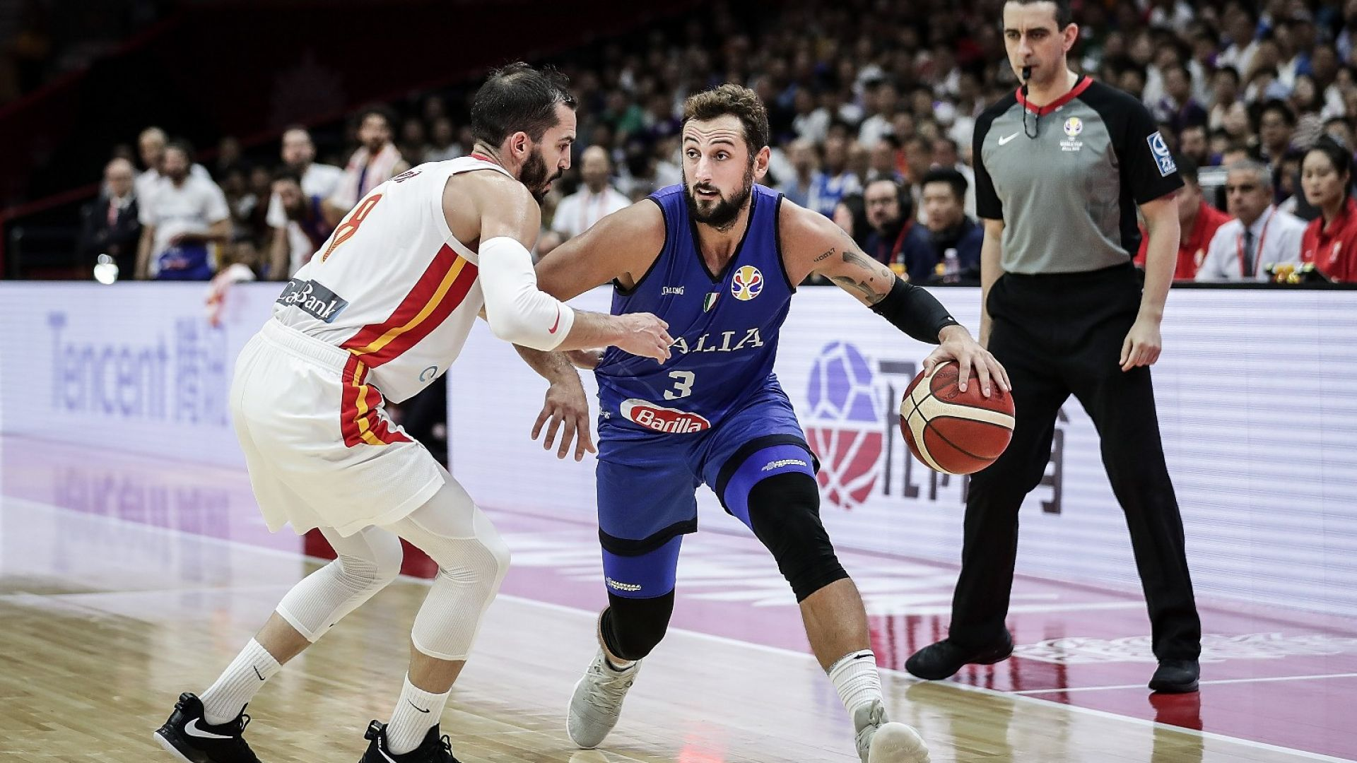 Испанците стегнаха багажа на италианците на Световното по баскетбол