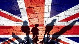 70 600 българи във Великобритания вече получиха статут на уседналост