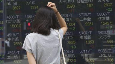 Страховете от вирусна пандемия разклатиха пазарите