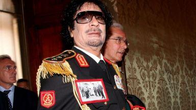 """""""Бясното куче"""" Кадафи - умря безславно след 42 г. диктаторски режим (снимки, видео)"""