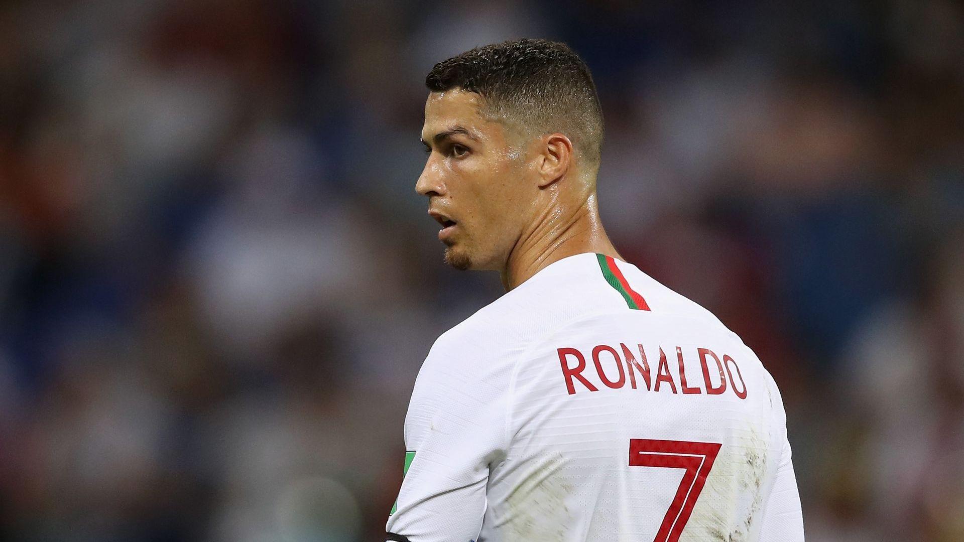 """Белградската """"Маракана"""" запя за Меси и ядоса Роналдо (резултати)"""