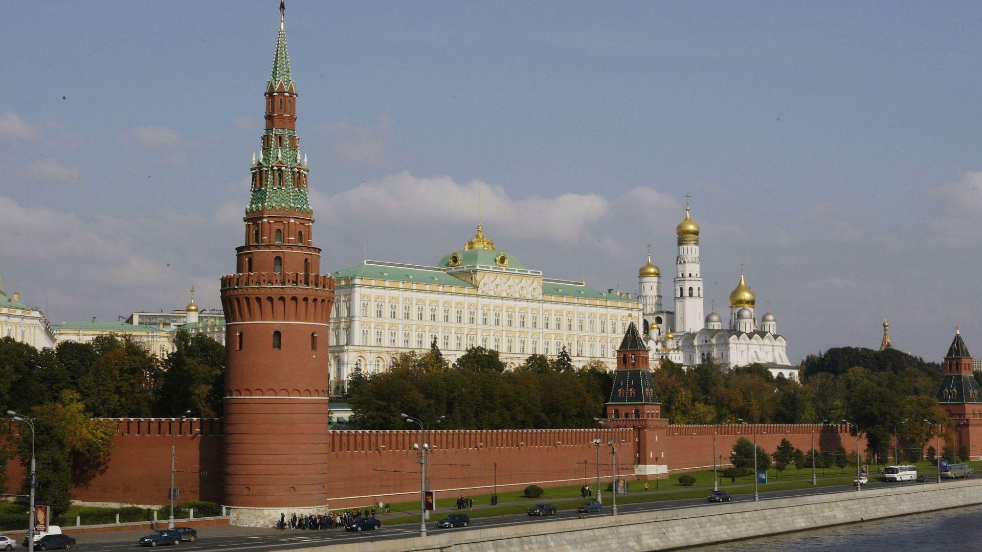 Москва гони 10 служители на американското посолство