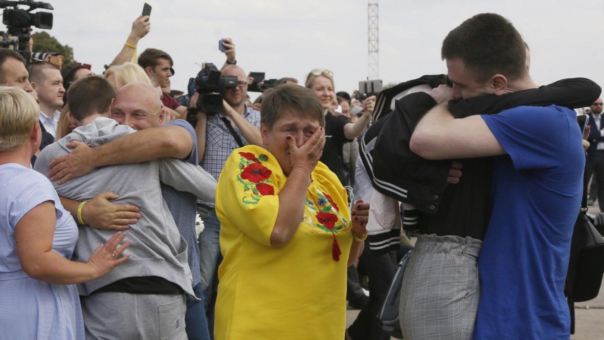 Осъществената в събота размяна на затворници между Русия и Украйна