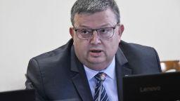 Прокуратурата показа част от доказателствата срещу Николай Малинов