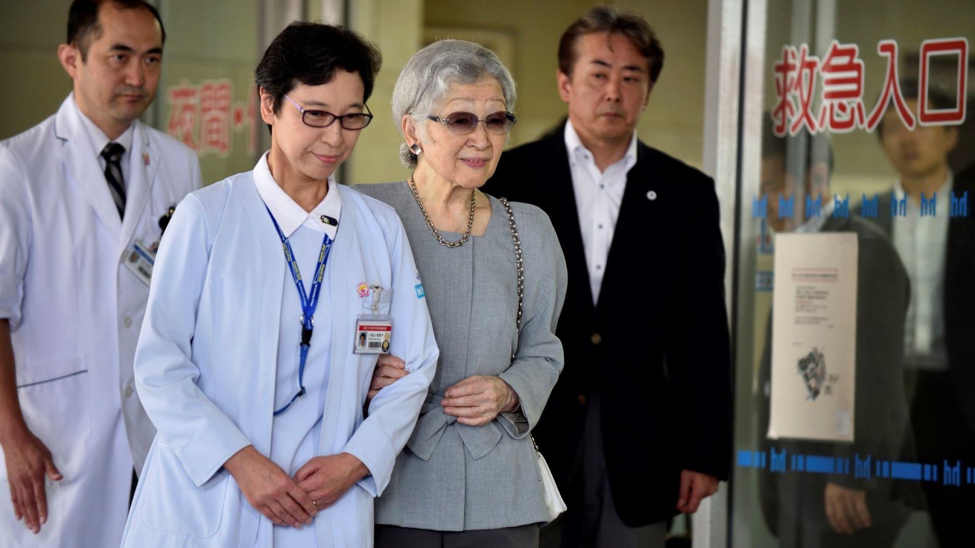 Изписаха императрица Мичико след операцията