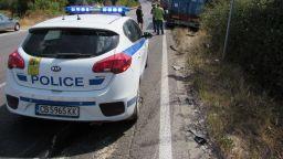 Млад мъж загина при сблъсък на два ТИР-а край София