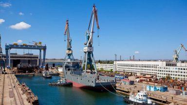 """След като не получи """"Мистрал""""-ите, Русия започва да строи в Крим два десантни кораба"""