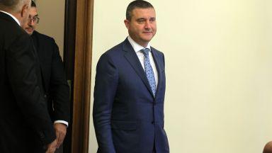 Спор между Радан Кънев и Владислав Горанов за авиационния бизнес и въглеродните емисии