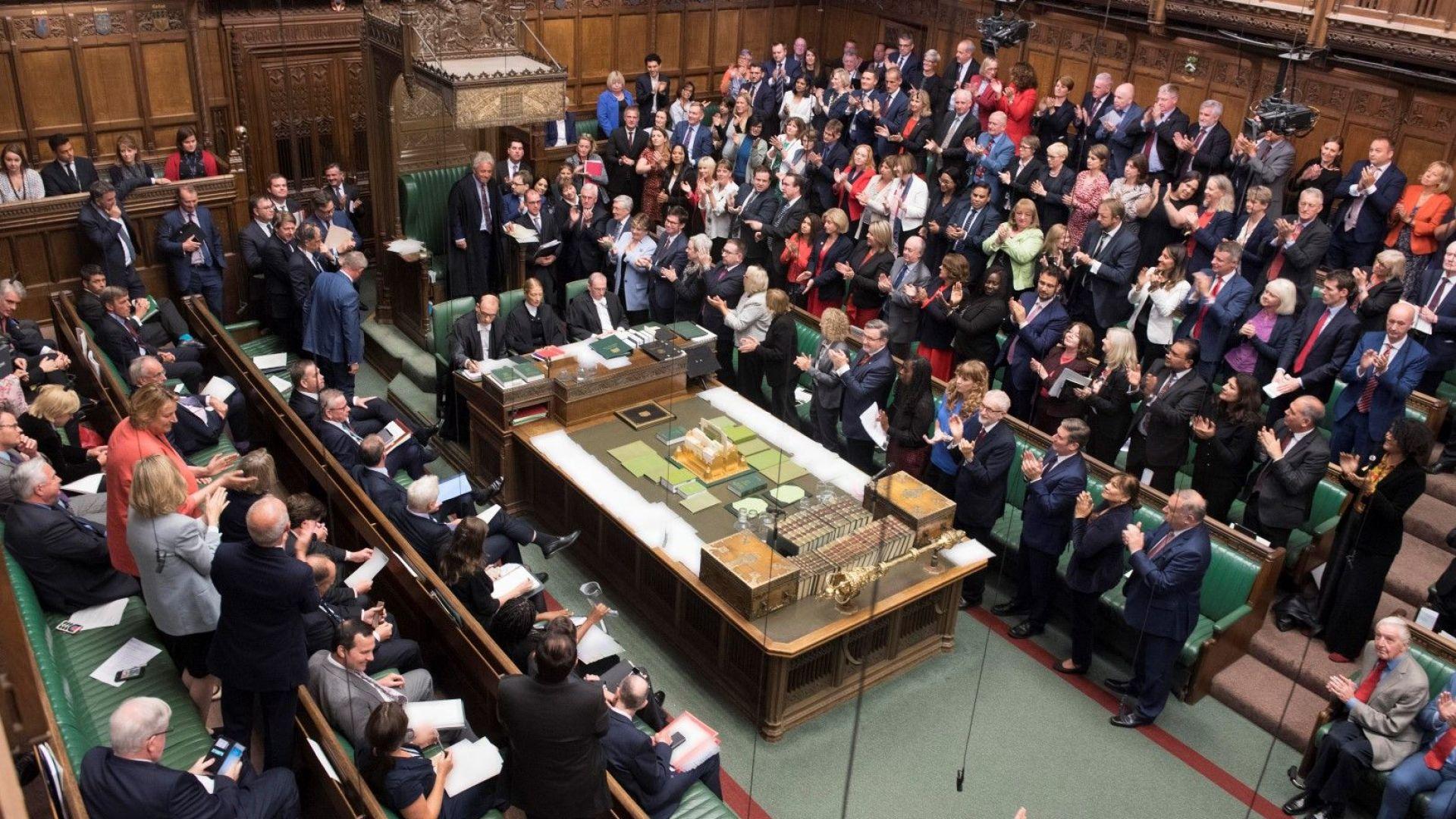 Рекорден брой жени в британския парламент след извънредните избори