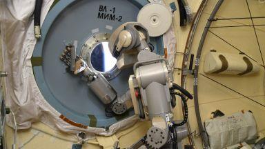 """Руският робо-космонавт """"Фьодор"""" се върна на Земята (снимки)"""