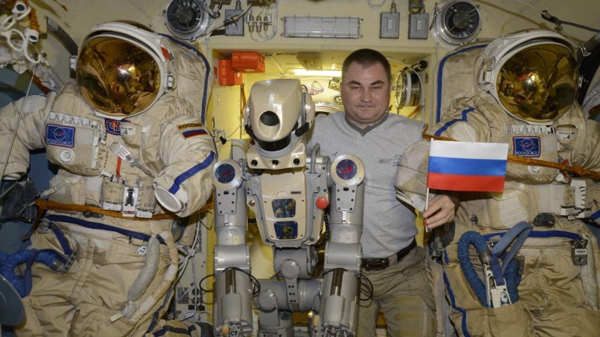 Русия ще заложи на роботите-космонавти