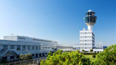 Гръцкото правителство одобри продажбата на 30 процента от Атинското международно летище