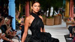 Oscar de la Renta - роклите, в които да се влюбим